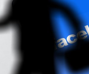 Facebook and AOL study a possible alliance strategy to boost their online advertising business