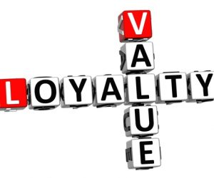 Loyalty and commitment, keys to achieve online success