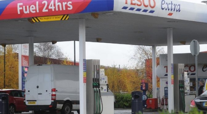 Pros and Cons of Using a Fuel Card